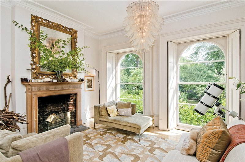 House to let - St. James's Gardens, London, W11