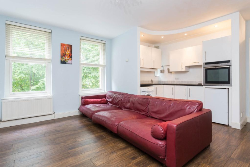Flat/apartment to let - Taverner Square, Highbury Barn, N5