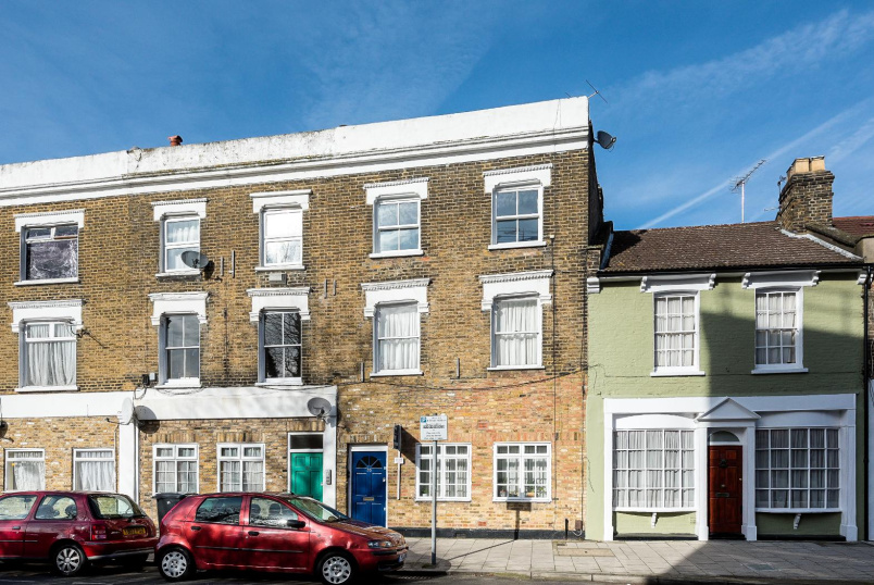 Flat to let - DORSET ROAD, SW8