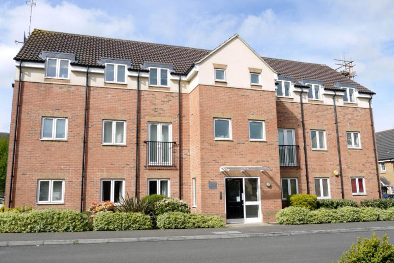 Flat/apartment to let - Chaucer Grove, Borehamwood, WD6