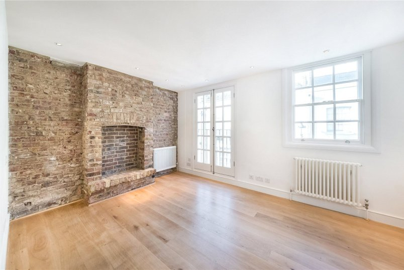 House to let - Ennismore Mews, London, SW7