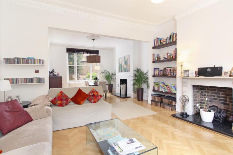 Flat/apartment to let - Netherwood Road, Brook Green, W14