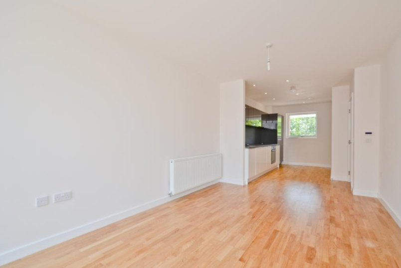 Flat/apartment to let - Dovetail Terrace, Lawrence Road, N15