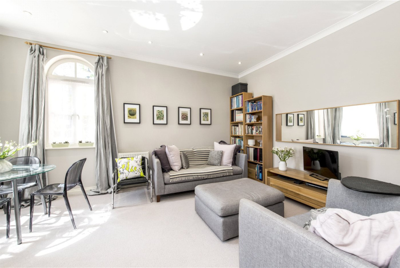 Flat/apartment for sale in Herne Hill - Sidmouth Lodge, 11 Herbert Mews, London, SW2