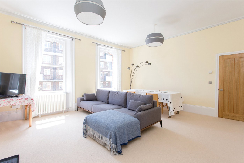 Flat/apartment to rent in Islington - St. Peters House, Oakley Crescent, London, EC1V