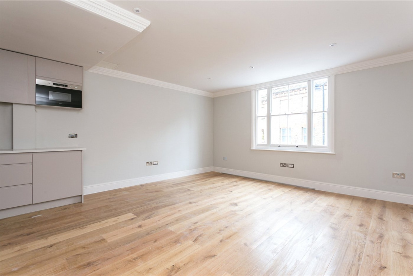 Flat/apartment to let - Cross Street, Angel, N1