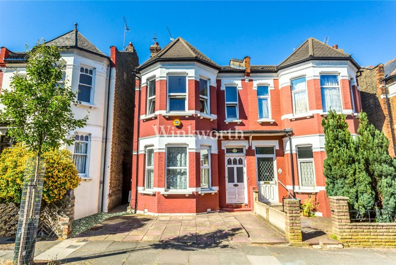 Flat/apartment for sale in Palmers Green - Osborne Road, London, N13