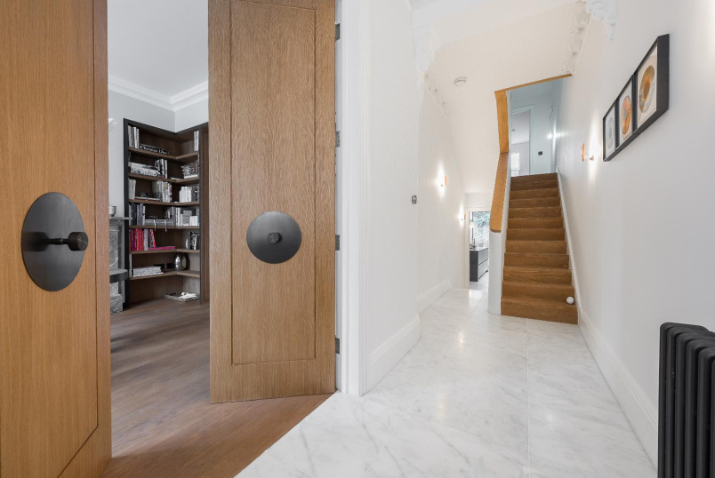 House - terraced for sale in Battersea - GORST ROAD, SW11