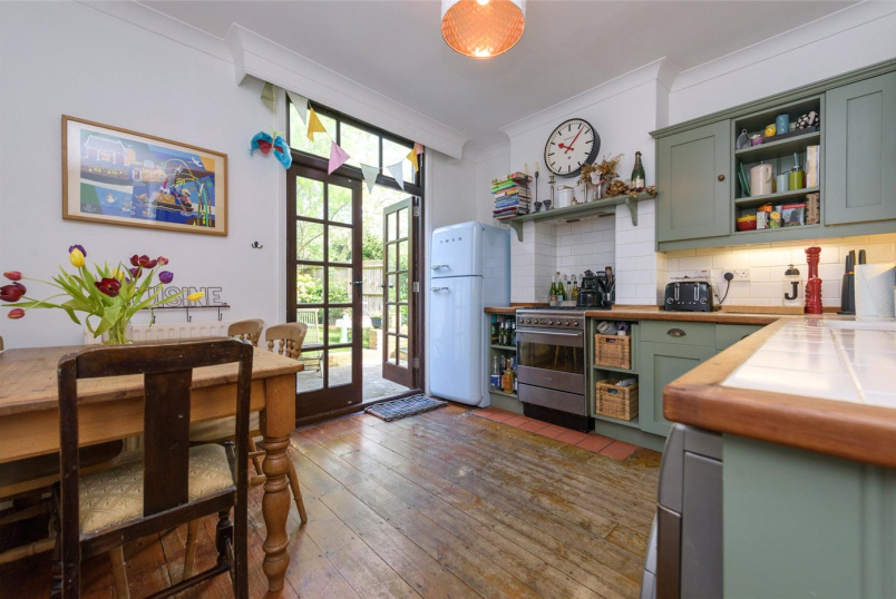 Flat/apartment for sale in Kensal Rise & Queen's Park - Ancona Road, London, NW10