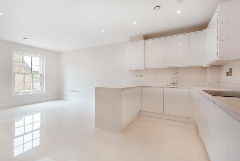 Flat to rent in Clapham - CLAPHAM ROAD, SW9