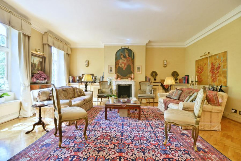 Apartment for sale in St Johns Wood - HANOVER HOUSE, NW8 7DY
