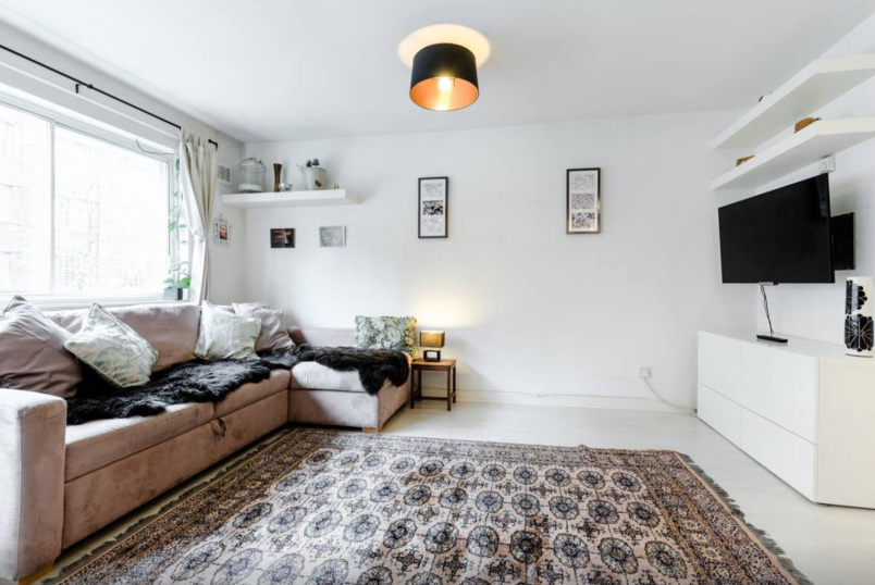 Flat/apartment to rent in North Kensington - Matthew Close, London, W10
