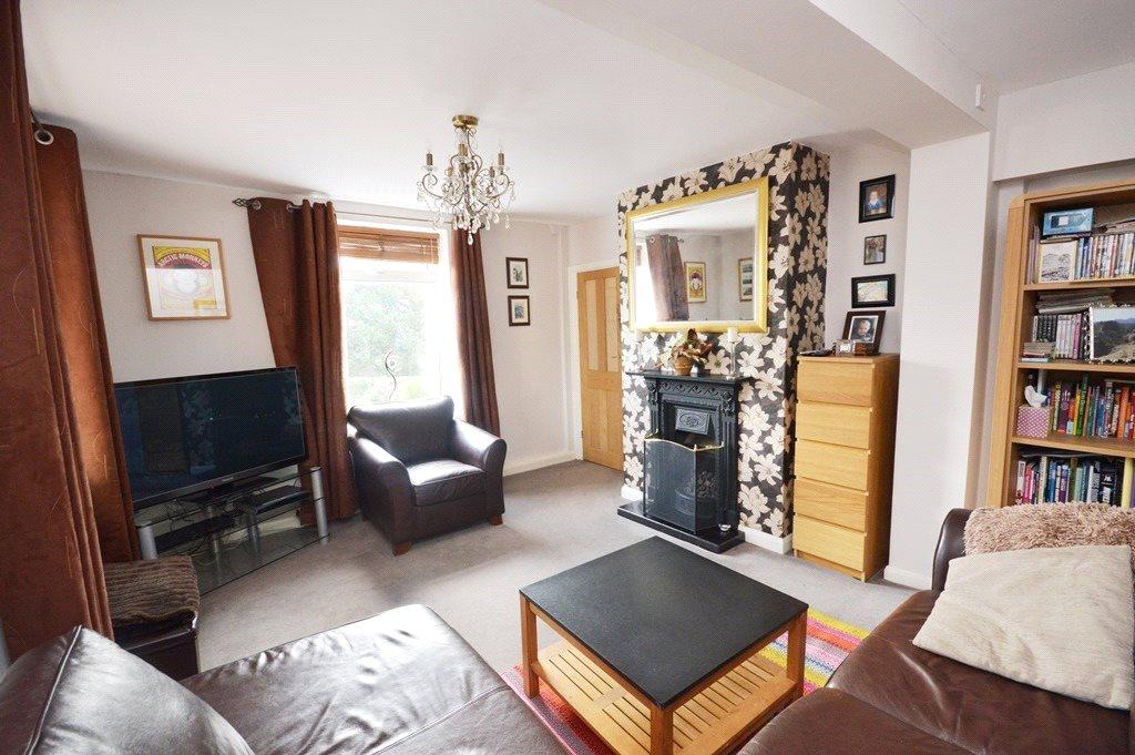 property for sale in morley, Living room