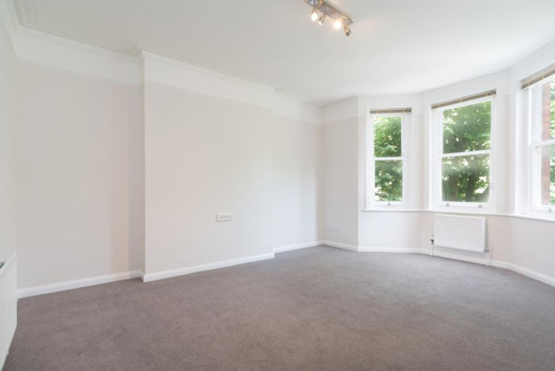 Apartment to rent in St Johns Wood - CASTELLAIN MANSIONS, W9 1HA