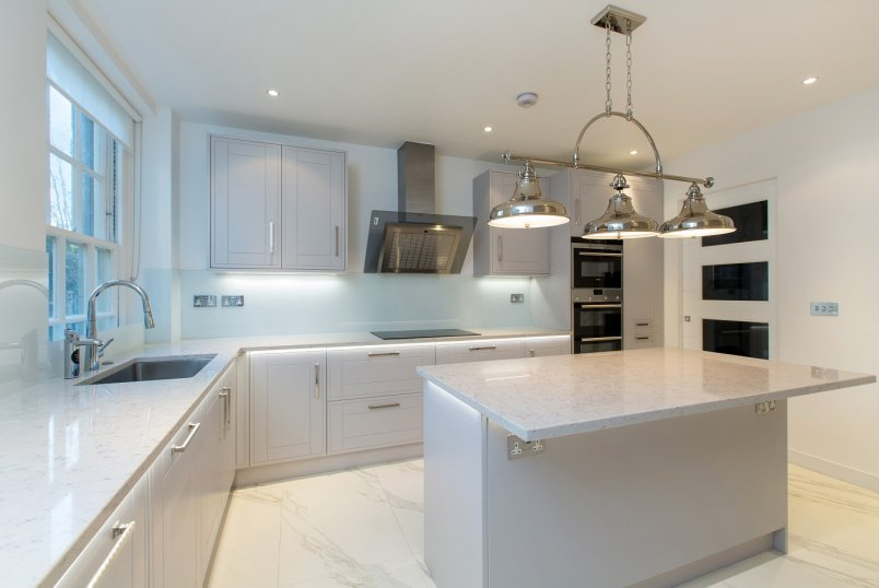 Flat to rent in St Johns Wood - SOUTH LODGE, NW8 9EU