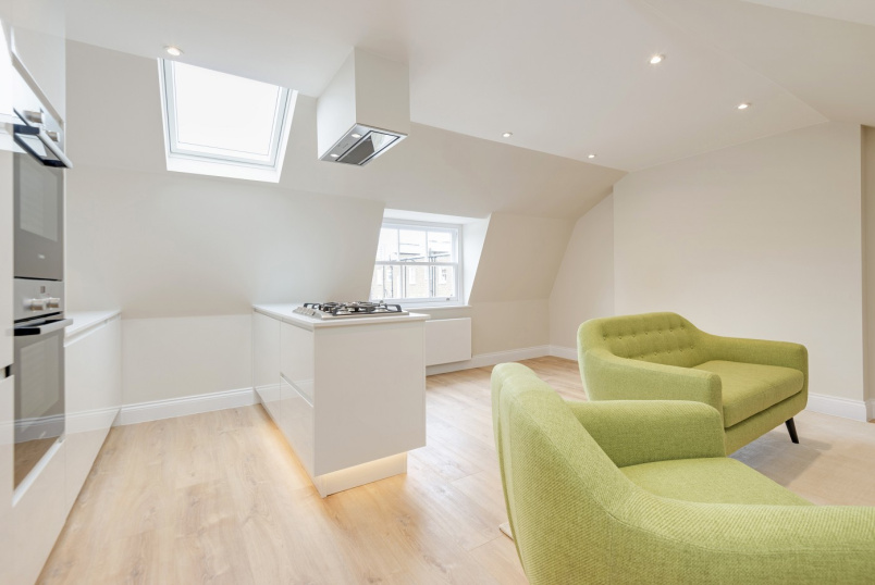 Flat to rent in St Johns Wood - CLIFTON HILL, NW8 0JT