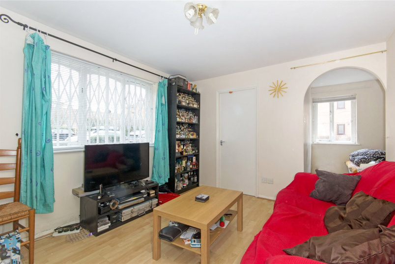 Flat/apartment to rent in Surrey Quays - Inwen Court, Grinstead Road, London, SE8