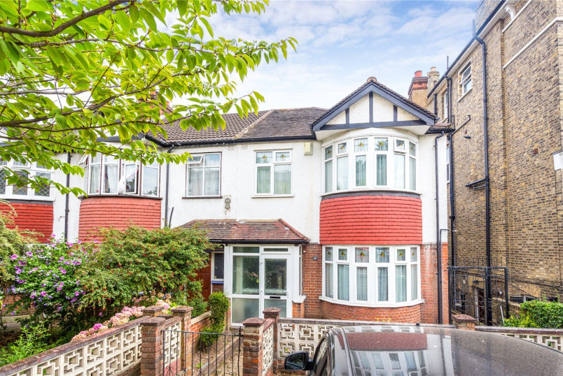 House for sale in Crystal Palace - Anerley Park, London, SE20