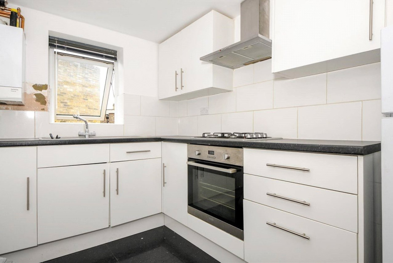 Flat/apartment to rent in New Cross - Lyndhurst Grove, London, SE15