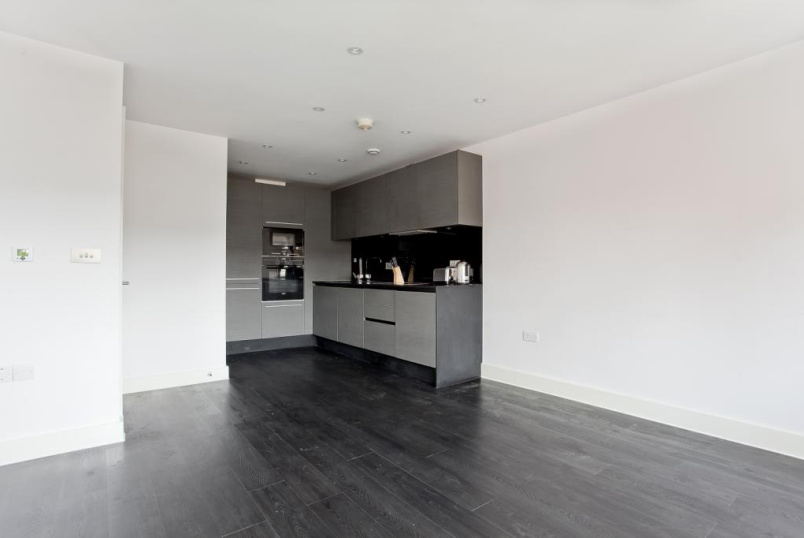 Flat/apartment to rent in Islington - Manson House, Offord Road, N1