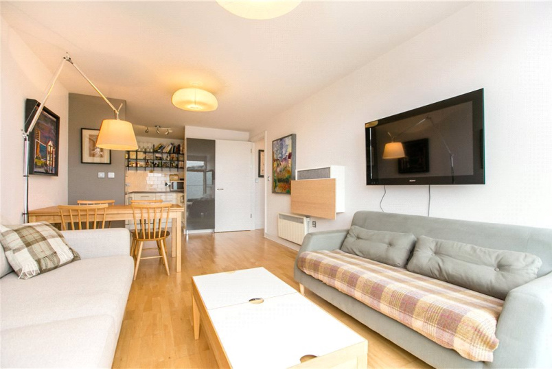 Flat/apartment to rent in North Kensington - James House, Appleford Road, London, W10