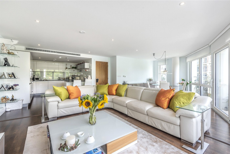 Flat/apartment for sale in Surbiton - Henry McCaughly Avenue, Kingston Upon Thames, KT2