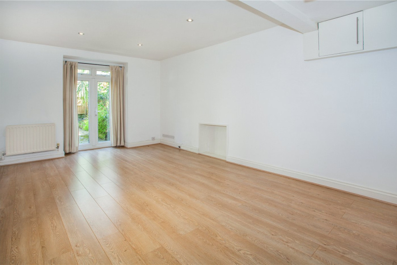 Flat/apartment to rent in Kensington - Brunswick Gardens, Kensington, W8