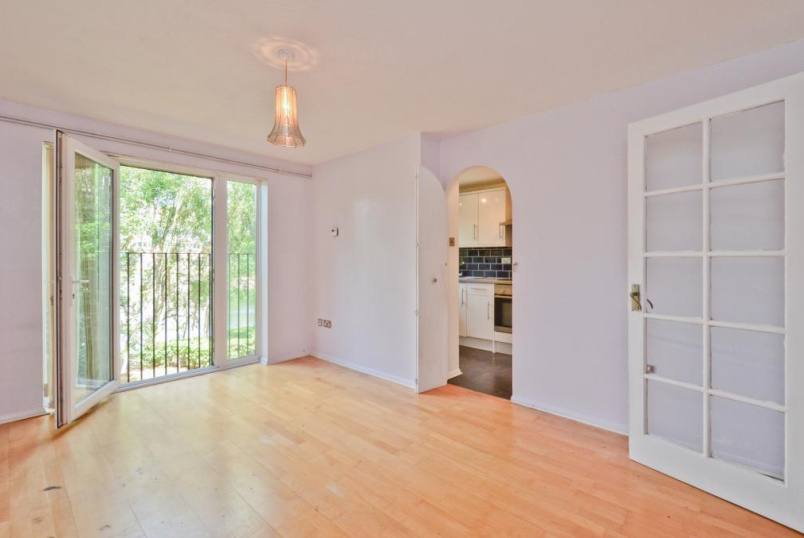 Flat/apartment to rent in Harringay - Bream Close, Tottenham, N17