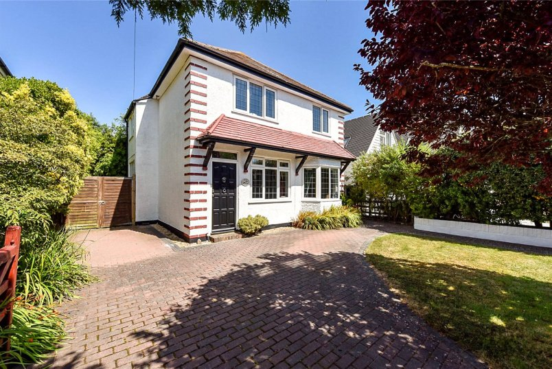 House for sale in Worthing - The Nookery, East Preston, Littlehampton, BN16