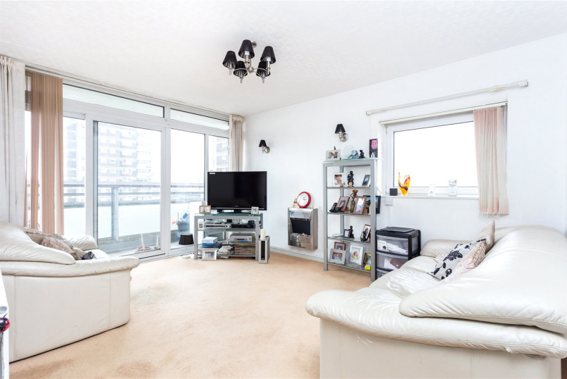 Flat/apartment for sale in Shoreditch - Stockholm House, Swedenborg Gardens, London, E1