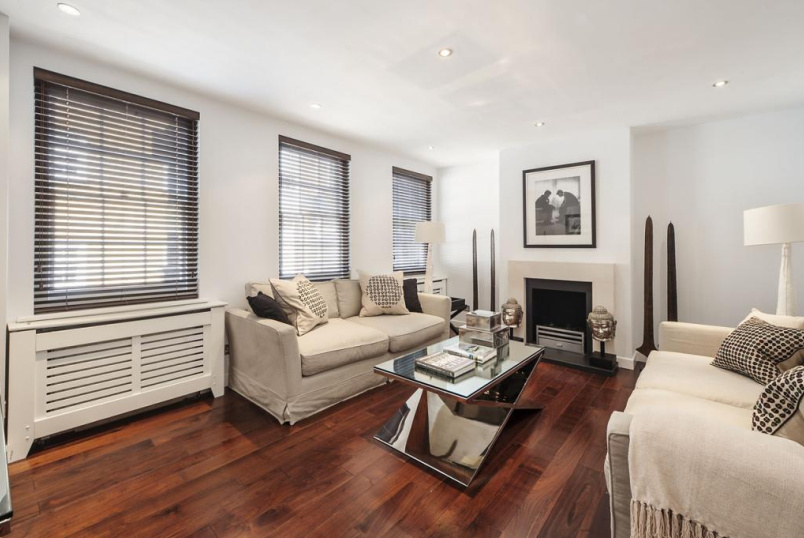 House to rent in Knightsbridge & Chelsea - Rutland Street, Knightsbridge, SW7