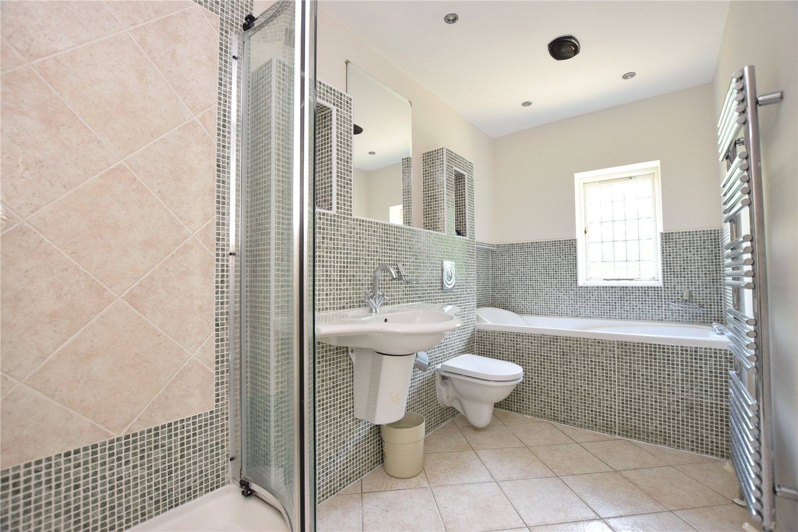 property to let in west yorkshire, bathroom