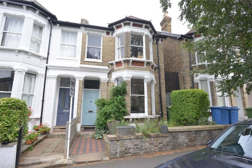 House for sale in Dulwich - Muschamp Road, Peckham Rye, SE15