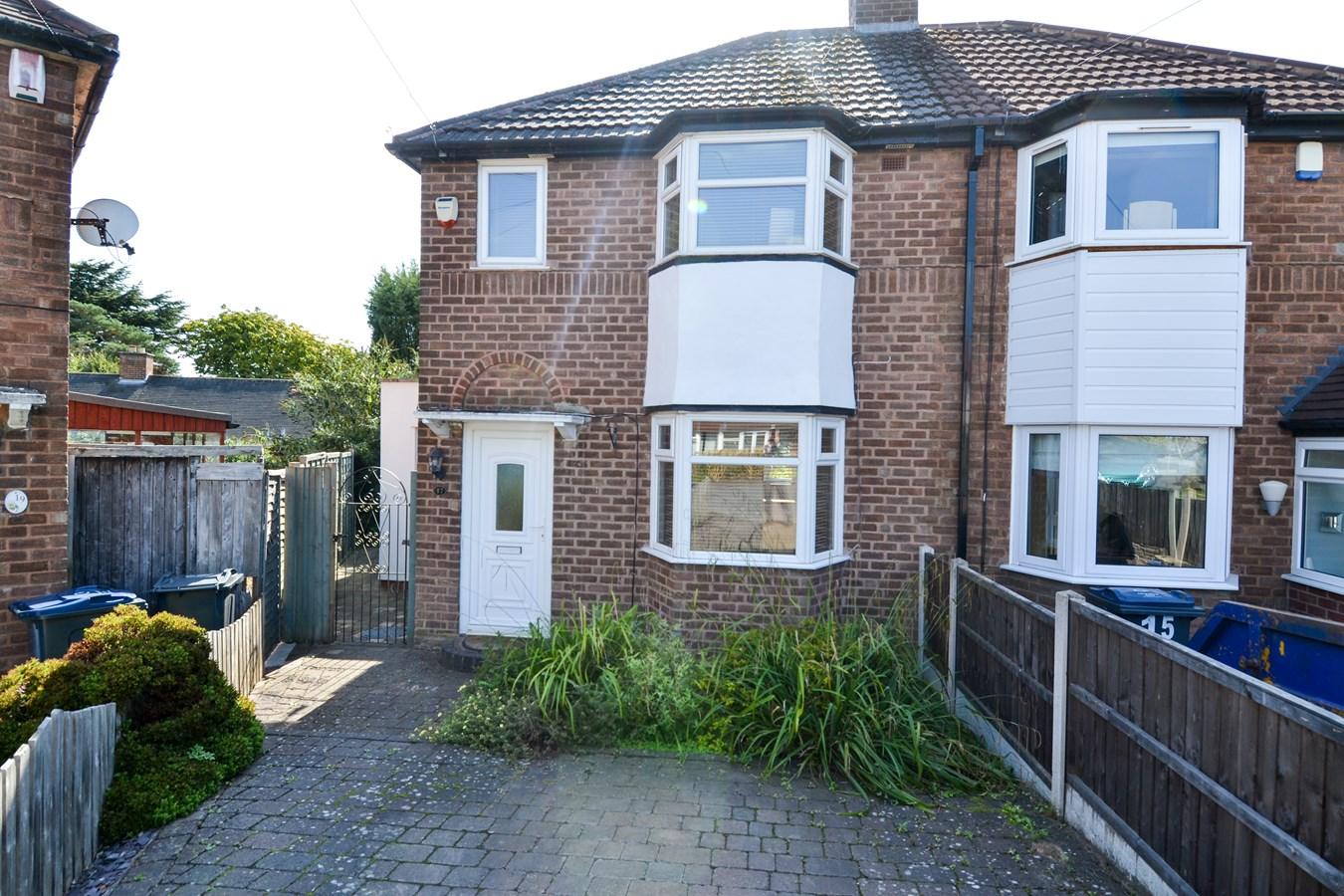 3 Bedroom Property For Sale In Kings Green Avenue Kings Norton Birmingham B38 Offers In The Region Of 219950