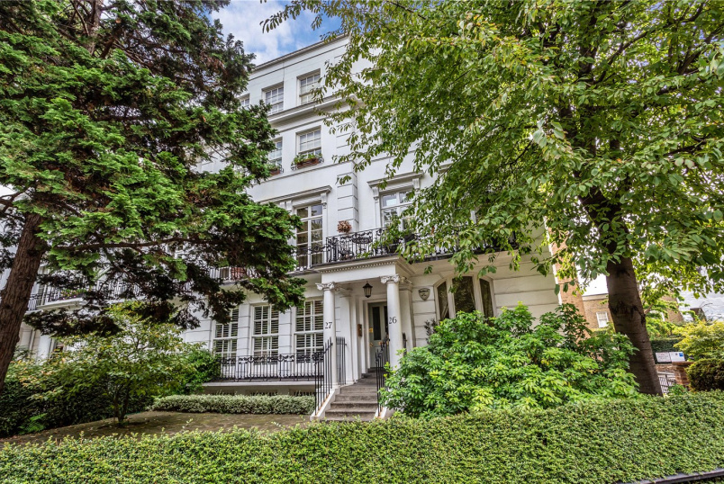 Flat/apartment for sale in Knightsbridge & Chelsea - Egerton Crescent, London, SW3