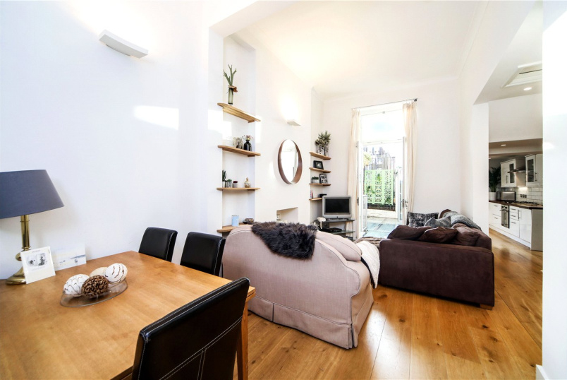 Flat/apartment for sale in Notting Hill - Powis Terrace, London, W11
