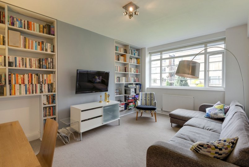 Flat to rent in St Johns Wood - CHARLBERT COURT, NW8 7DA