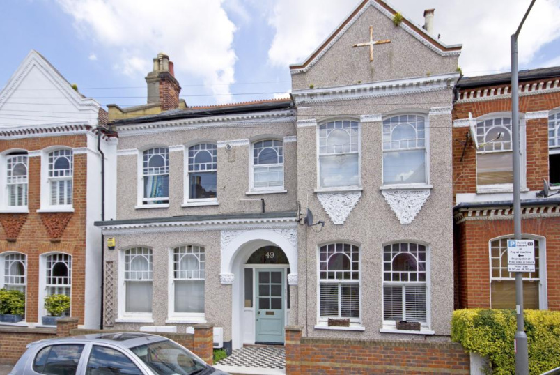 Flat/apartment to rent in Tooting - Dafforne Road, London, SW17