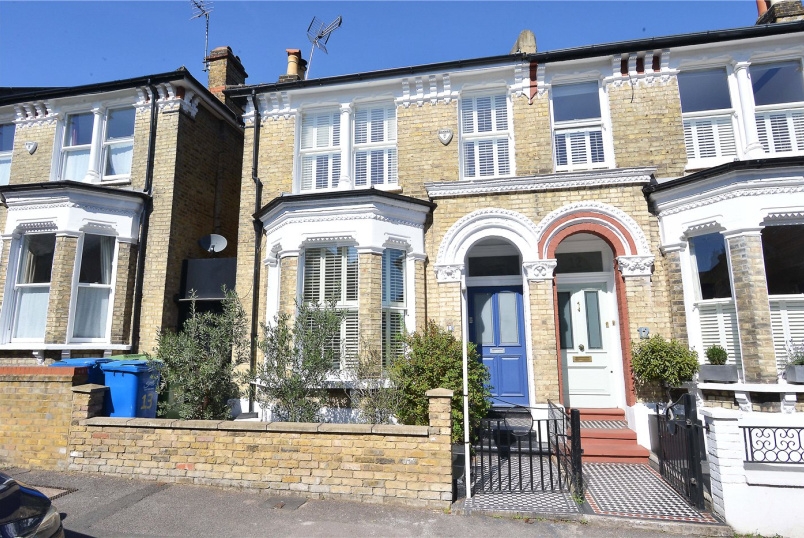 House for sale in Dulwich - Kelmore Grove, East Dulwich, SE22