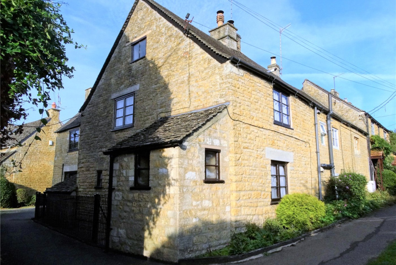 Cottage to rent in Cheltenham - Rectory Lane, Bourton On The Water, Cheltenham, GL54