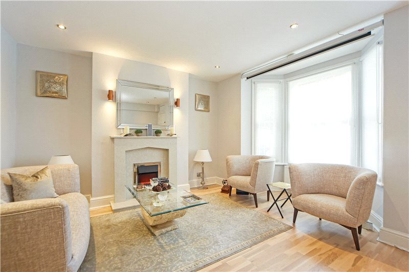 Flat/apartment for sale in Hammersmith - Minford Gardens, Brook Green, W14