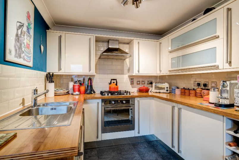 Flat to rent in Kennington - USBORNE MEWS, SW8