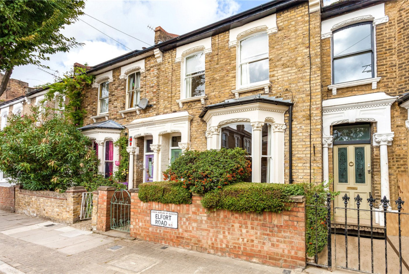 House for sale in Highbury - Elfort Road, London, N5