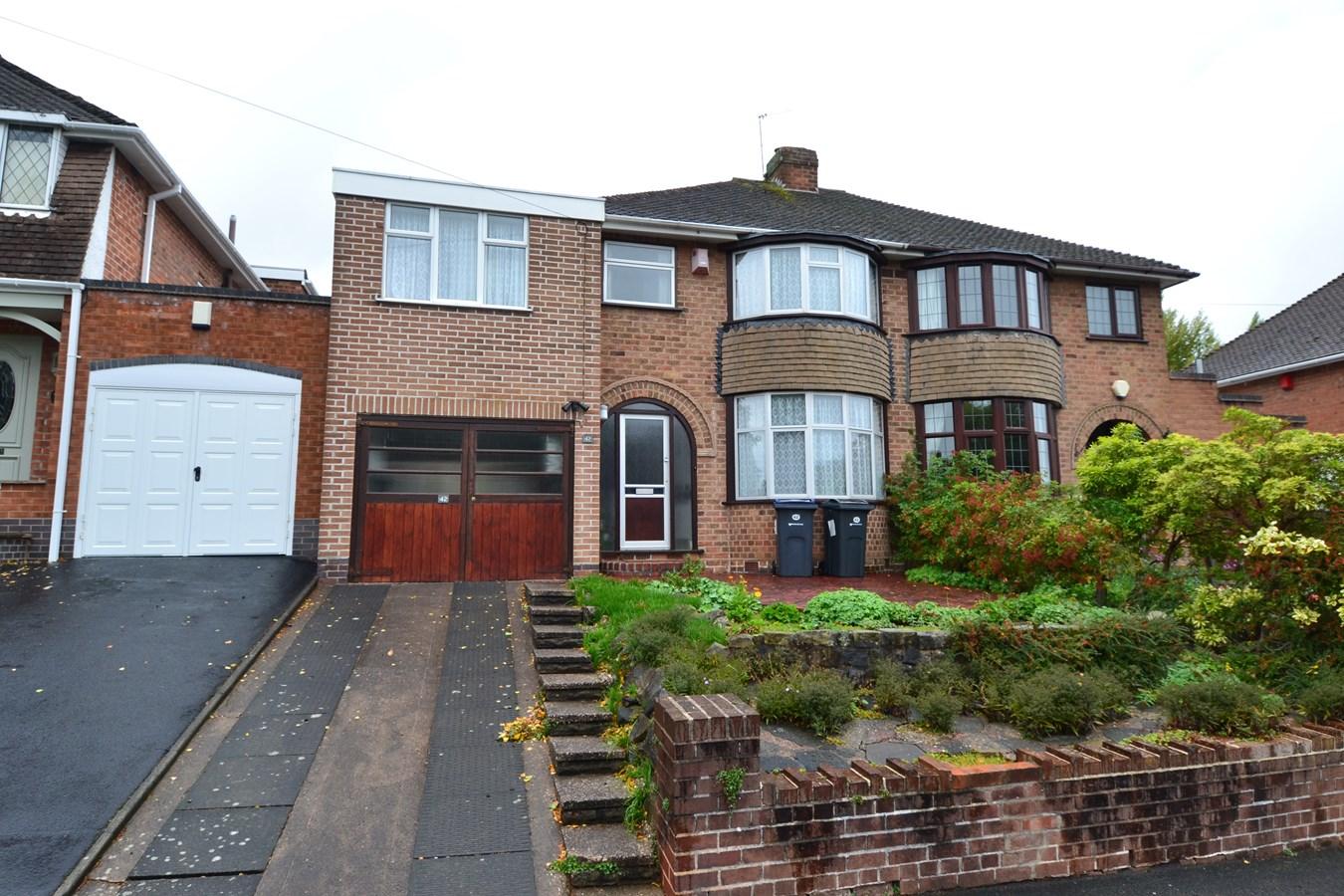 4 Bedroom Property For Sale In Aversley Road Kings Norton Birmingham B38 Offers In The Region Of 279950
