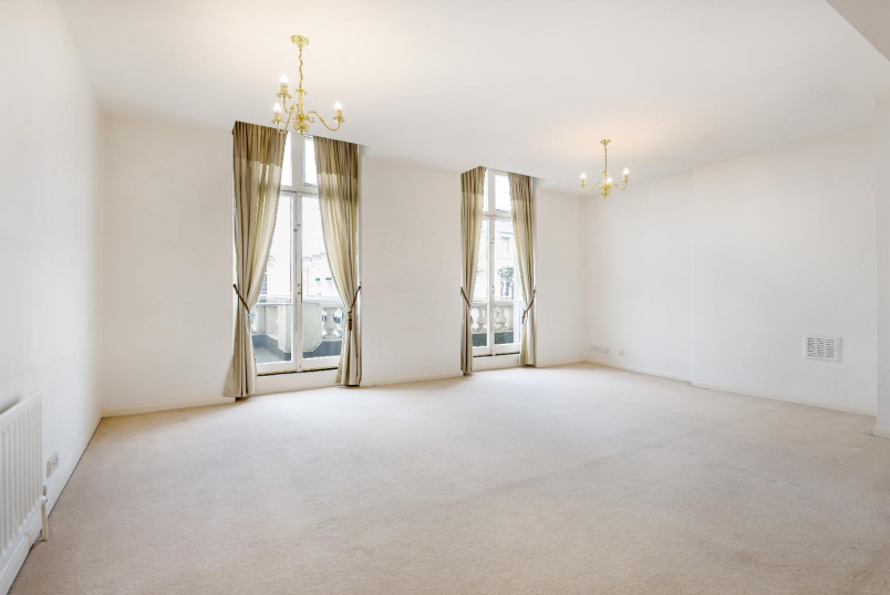 Apartment for sale in Pimlico and Westminster - ST. GEORGE'S DRIVE, SW1V