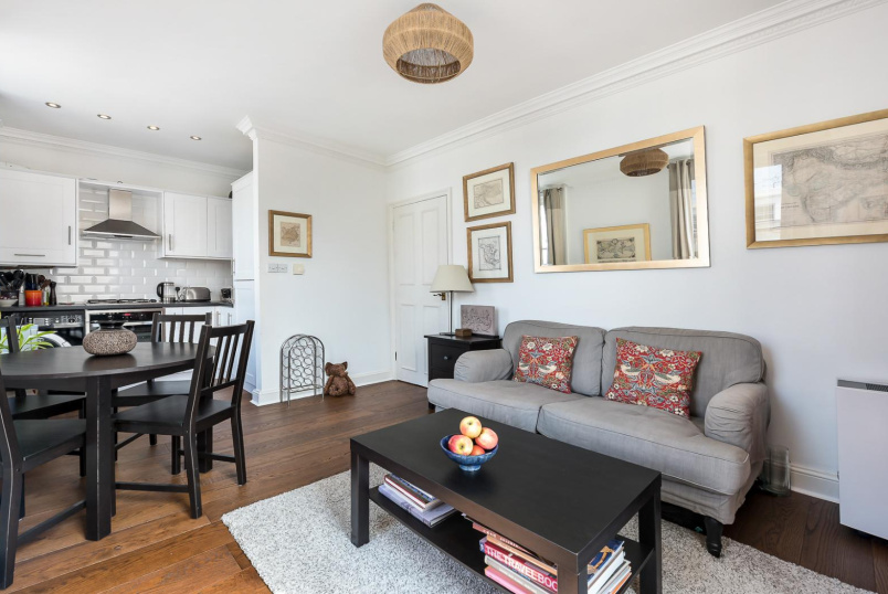 Apartment to rent in Pimlico and Westminster - ST GEORGE'S SQUARE, SW1V