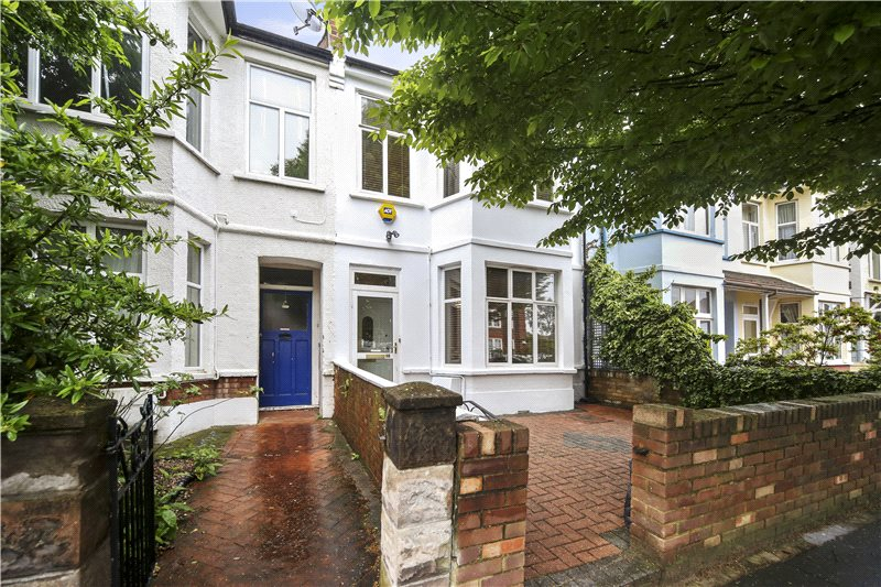 House for sale in Shepherds Bush & Acton - Aycliffe Road, London, W12