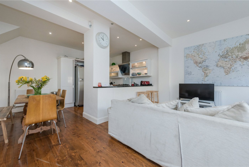 House to rent in Kensal Rise & Queen's Park - Victoria Mews, London, NW6