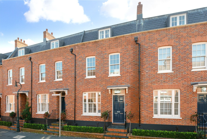 House for sale in Canterbury - The Terrace, St Peters Lane, Canterbury, CT1