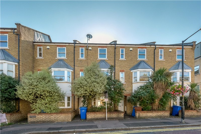 House for sale in Kennington - Balmoral Court, 40 Merrow Street, Walworth, SE17